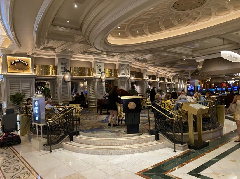 Click image for larger version.  Name:PetrossianBar_Bellagio.jpg Views:45 Size:97.7 KB ID:765